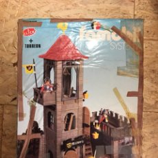 Playmobil: TORREÓN DE FAMOBIL CON CAJA PLAYMOBIL COMPLETO. Lote 103220190