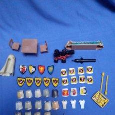 Playmobil: LOTAZO MEDIEVAL PLAYMOBIL Y VARIOS MUCHAS ARMAS CASCOS ETC MIRAR TODO LO QUE SE VE VARIAS REF . Lote 106583311