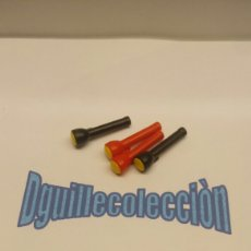 Playmobil: PLAYMOBIL 4 LINTERNAS POLICIAS LADRON. Lote 110168283