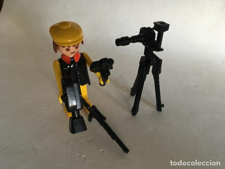 Playmobil: PLAYMOBIL - FAMOBIL 3302 - CÁMARA SAFARI CAZADOR - SIN CAJA - Foto 3 - 112241591