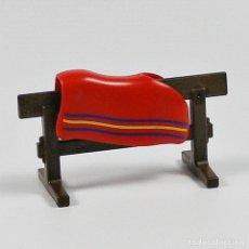 Playmobil: PLAYMOBIL CABALLO DIFICIL VALLA MARRON OSCURO PARA COLGAR SILLA DE MONTAR MANTA 4159. Lote 115590068