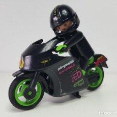 Playmobil: ANTIGUO MOTORISTA PLAYMOBIL 3779 MOTO PILOTO CARRERA CIRCUITO . Lote 118166171