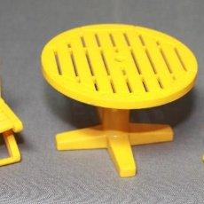 Playmobil: PLAYMOBIL REF. 3634 MESA Y DOS SILLAS AMARILLAS DEL ZOO. Lote 118200875