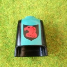 Playmobil: PLAYMOBIL CUERPO TORSO VERDE NEGRO HALCÓN ROJO ÁGUILA MEDIEVAL CABALLERO VIKINGOS ROMANOS BÁRBAROS. Lote 125234007