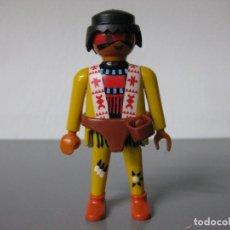 Playmobil: PLAYMOBIL FIGURA INDIO OESTE CARA PINTADA CON CINTURÓN. Lote 172115487