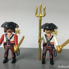 Playmobil: PLAYMOBIL PAREJA DE PIRATAS GARFIO ARMADOS PIRATA. Lote 128710451