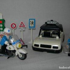 Playmobil: LOTE DE ANTIGUOS POLICÍAS DE FAMOBIL Y PLAYMOBIL - COCHE, MOTO, MOTORISTA, SEMÁFORO Y SEÑALES -. Lote 128933483