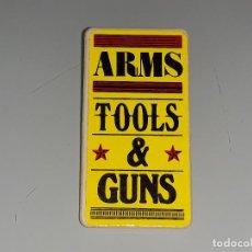 Playmobil: FAMOBIL PLAYMOBIL ANTIGUO CARTEL DEL OESTE CASA DRUG STORE - ARMS TOOLS & GUNS AÑOS 70 / 80 . Lote 129589027