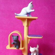 Playmobil: PLAYMOBIL ÁRBOL GATOS . Lote 130331894