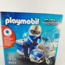Playmobil: POLICIA CON MOTO Y LUCES LED PLAYMOBIL CITY ACTION 6923. Lote 132413174