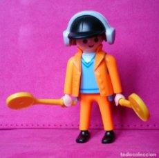 Playmobil: FIGURA PLAYMOBIL CONTROLADOR AEROPUERTO AÉREO . Lote 132785934