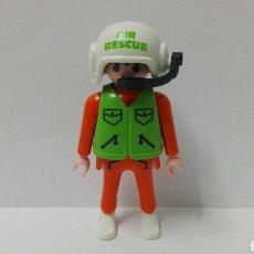 Playmobil: PLAYMOBIL, FIGURA, PILOTO, HELICÓPTERO, HOSPITAL, CASCO, CIUDAD, AIR RESCUE. Lote 135017753