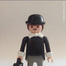 Playmobil: PLAYMOBIL FIGURA SEÑOR VICTORIANO CALZAS MALETIN PAJARITA CASA VICTORIANA 5300 OESTE WESTERN PIEZAS. Lote 213722563