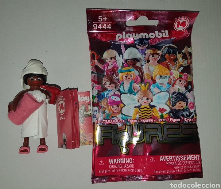 Usado, Playmobil serie 14 chica toalla baño ducha y secador sobre sorpresa rosa figura muñeco colección segunda mano