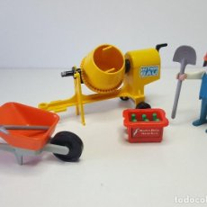 Playmobil: ANTIGUO OBRERO PLAYMOBIL HORMIGONERA OBRA CONSTRUCCION PEON ALBAÑIL . Lote 136145406