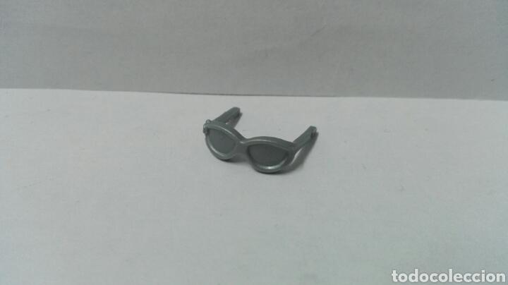 Playmobil, gafas sol, complementos accesorios moda cabeza deportes vacaciones playa policía segunda mano