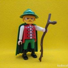 Playmobil: PLAYMOBIL PASTOR MEDIEVAL CON CAPA VERDE. Lote 137246794