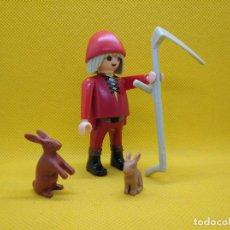 Playmobil: PLAYMOBIL CAMPESINO CON GUADAÑA Y CONEJOS. Lote 137247414
