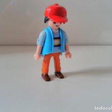 Playmobil: PLAYMOBIL FIGURA CON GORRA CIUDAD CITY. Lote 137249878