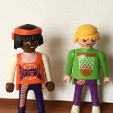 Playmobil: LOTE DOS MUÑECOS PLAYMOBIL FAMOBIL CLIC CLIKS BALONCESTO. Lote 139068246