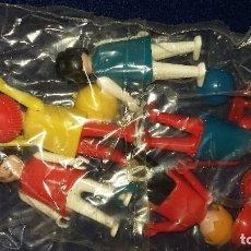 Playmobil: FAMOBIL. ESQUIADORES REFERENCIA 3561. EN BOLSAS SIN ABRIR A ESTRENAR AÑOS 70-80. Lote 140121614