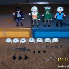 Playmobil: LOTE PLAYMOBIL POLICIAS, POLICE, POLIZEI, PISTOLA, CASCO, CARTUCHERA. LEER DESCRIPCIÓN. Lote 140786862