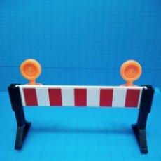 Playmobil: PLAYMOBIL 3745 VALLA SEÑAL LUZ OBRA 3472 3756 3777 PLAYMOVIL 30051760 30051750 30051740. Lote 141553258