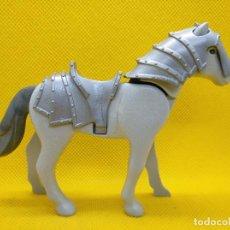 Playmobil: PLAYMOBIL CABALLO GRIS CLARO CON ARMADURA. Lote 142280726
