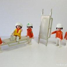 Playmobil: EQUIPO MEDICO PLAYMOBIL AMBULANCIA 3456 ENFERMERO CAMILLERO DOCTOR SANITARIO. Lote 142299310