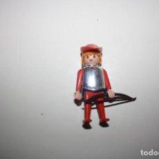 Playmobil: PLAYMOBIL FIGURA SOLDADO MEDIEVAL PETO/CORAZA-YELMO. Lote 143087086