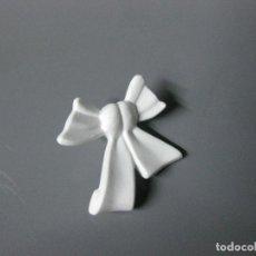 Playmobil: PLAYMOBIL LAZO FALDA MUJER VESTIDO BLANCO. Lote 244570970