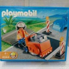 Playmobil: PLAYMOBIL 4044. OPERARIO CARRETERAS. NUEVO EN CAJA. SIN ESTRENAR.COMPLETO.2007.OBRERO OBRAS PÚBLICAS. Lote 148856816