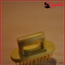 Playmobil: GER 11 - PLAYMOBIL - HERRAMIENTAS ANIMALES - CEPILLO CABALLO. Lote 149626398