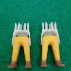 Playmobil: PLAYMOBIL LOTE DOS PIERNAS AMARILLO ZAPATO MARRÓN CAZADOR MEDIEVAL SOLDADOS CABALLERO VIKINGOS OESTE. Lote 151635666
