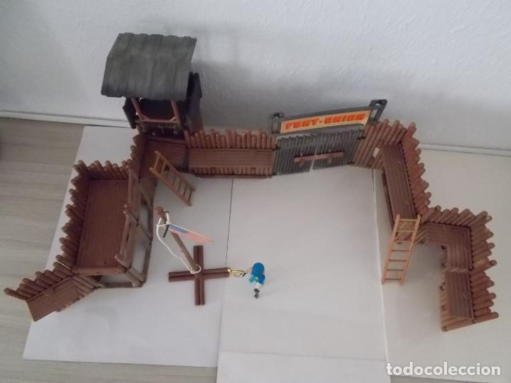 Playmobil: FAMOBIL ORIGINAL AÑOS 70 SERIE OESTE FORT UNION COMPLETO PERO SIN CAJA REF. 3420. NO PLAYMOBIL. PTOY - Foto 2 - 152759510