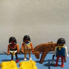 Playmobil: LOTE TRES PLAYMOBIL Y CABALLO. Lote 155320286