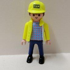 Playmobil: PLAYMOBIL, FIGURA HOMBRE TRABAJADOR CHALECO AMARILLO CASCO PM CONSTRUCCIÓN CASA OBRA. Lote 156658633