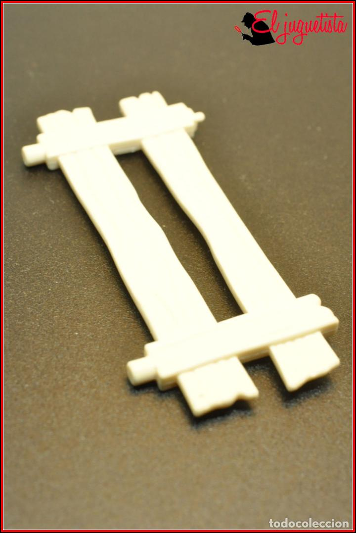 AES2 28 - PLAYMOBIL CITY LIFE 9401 - VALLA MADERA (Juguetes - Playmobil)