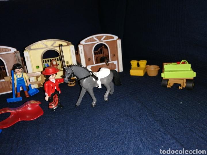 Playmobil: Lote Playmobil domadora cuadras caballos carroza y complementos - Foto 3 - 161877789