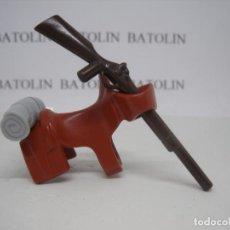 Playmobil: PLAYMOBIL SILLA DE MONTAR CON MANTA Y RIFLE CABALLOS ANIMALES OESTE. Lote 207293013