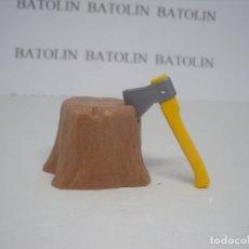 Playmobil: PLAYMOBIL TRONCO CON HACHA ÁRBOL VEGETACIÓN DIORAMA. Lote 195234162
