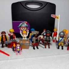 Playmobil: MALETÍN CON LOTE VARIADO PLAYMOBIL (NIÑOS, CABALLOS, PIRATAS, COFRE, CAÑÓN, ACCESORIOS...). Lote 220844233