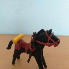 Playmobil: PLAYMOBIL CABALLO CON SILLA DE MONTAR, RIENDAS, MANTA Y RIFLE. Lote 168502025