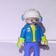 Playmobil: PLAYMOBIL MEDIEVAL FIGURA NIÑO SNOWBOARD ESQUIADOR. Lote 168912072