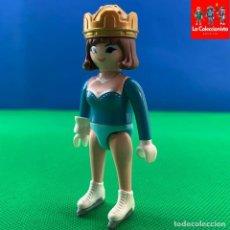 Playmobil: PLAYMOBIL - CHICA CON CORONA Y PATINES EN LÍNEA. Lote 214236630