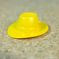 Playmobil: PLAYMOBIL SOMBRERO GORRO AMARILLO GRANJERO GRANJA MEDIEVAL. Lote 170320201