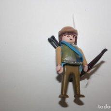 Playmobil: PLAYMOBIL FIGURA SOLDADO MEDIEVAL PETO/CORAZA-YELMO. Lote 171411734