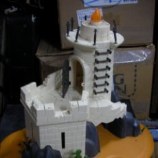 Playmobil: TORRE CASTILLO FARO CON BASE PLAYMOBIL. Lote 173645693