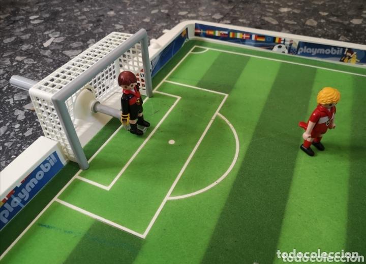 Playmobil: Campo de fútbol Playmobil. 4 jugadores. - Foto 3 - 174149264