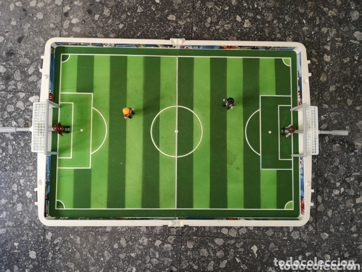 CAMPO DE FÚTBOL PLAYMOBIL. 4 JUGADORES. (Juguetes - Playmobil)